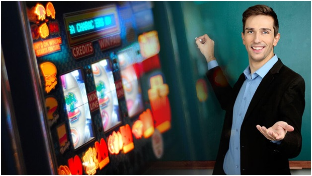 What are the seven outstanding tips by PRO John Grochowski to play penny pokies?